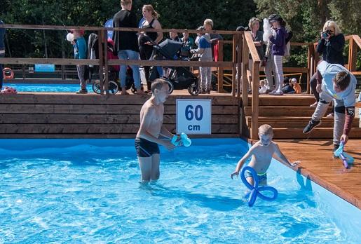 Baseny odkryte Toruń Bydgoskie przedmieście letnie baseny