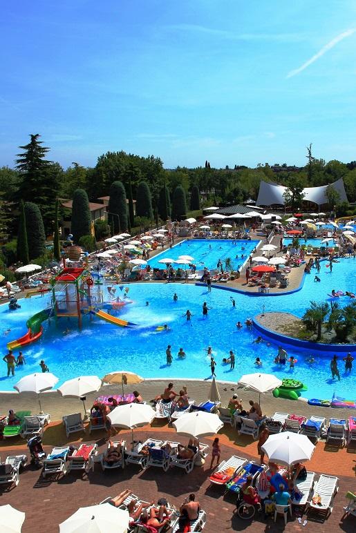 Bella Italia-Garda gdzie z dzieckiem camping z basenami animacjami dla dzieci