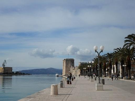 Dalmacja gdzie z dzieckiem promenada Trogir opinie