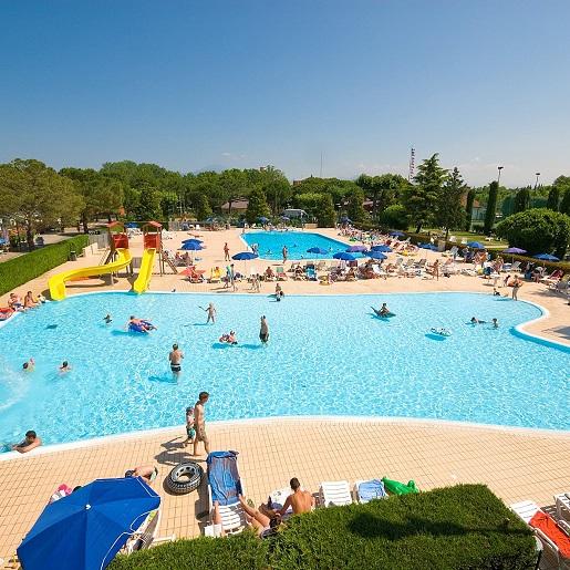 Del Garda Village-kemping z basenem aquaparkiem Garda z dzieckiem