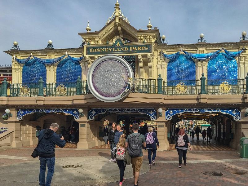 Disneyland Paris 25 lat opinie atrakcje