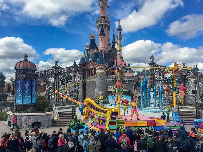 Disneyland Paryż pokazy atrakcje opinie
