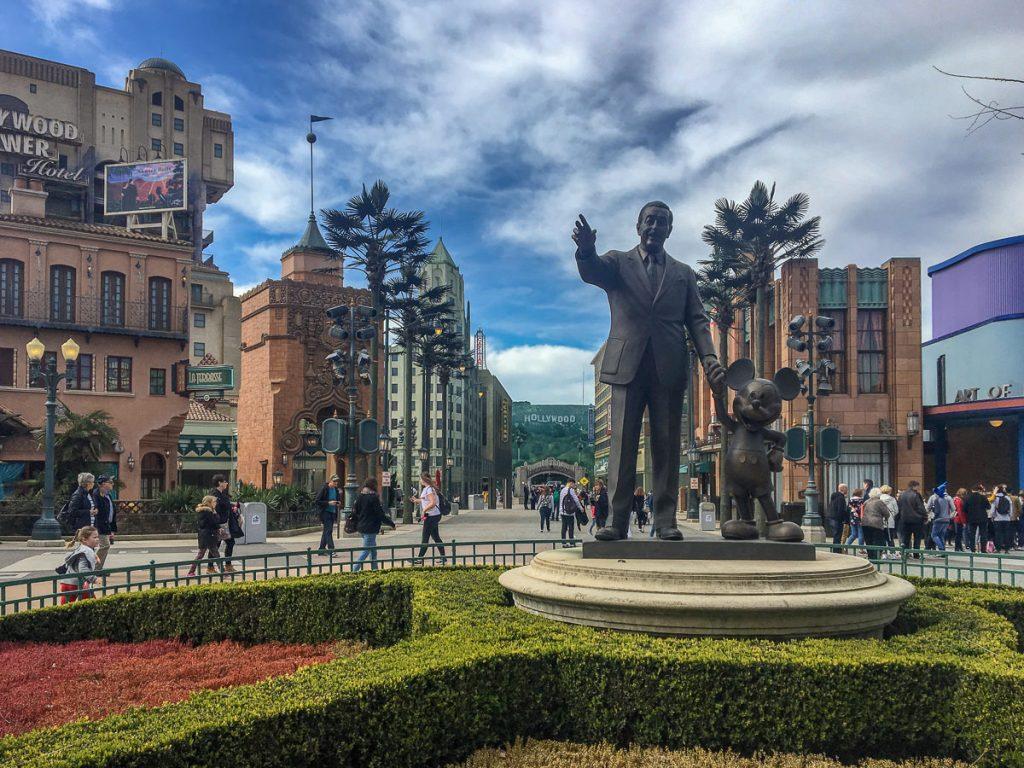 Disneyland jak dojechać gdzie spać opinie