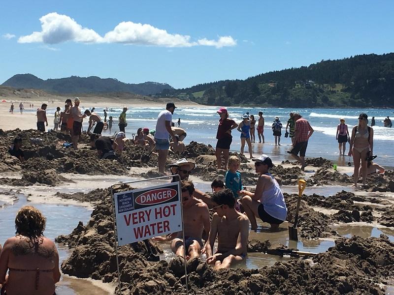 Hot Water Beach plaże Nowa Zelandia opinie atrakcje