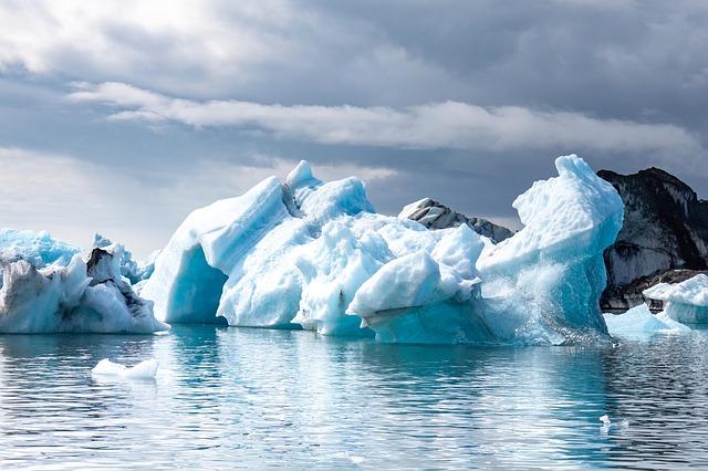Islandia z dzieckiem najlepsze atrakcje gdzie jechac z dzieckiem co zobaczyc Laguna Jökulsárlón Fjallsárlón opinie