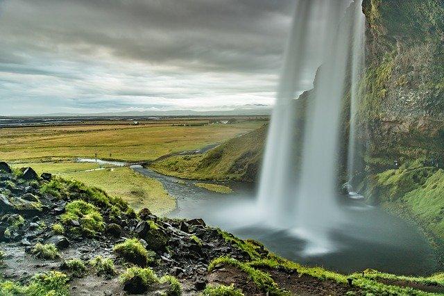 Islandia z dzieckiem najlepsze atrakcje gdzie jechac z dzieckiem co zobaczyc na poludniu wodospady seljalandsfoss