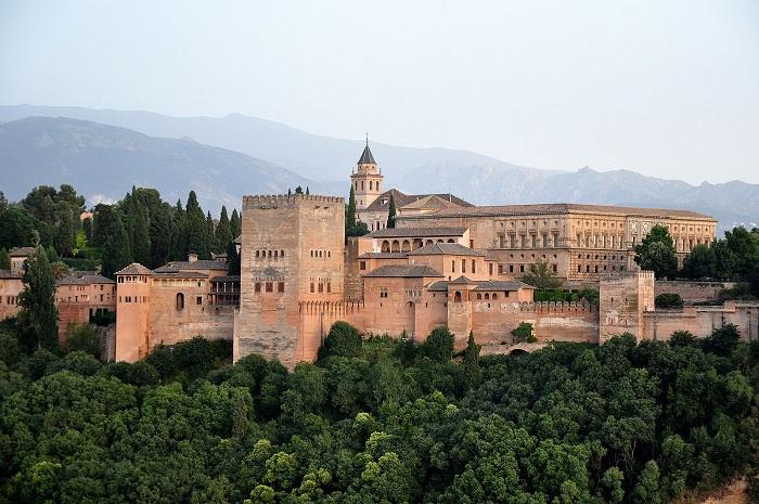 Malaga z dzieckiem atrakcje wakacje opinie Andaluzja