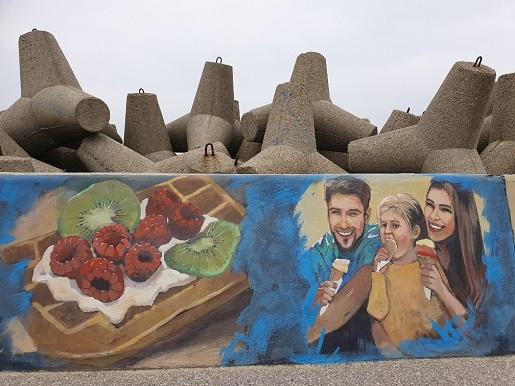 Mural w porcie rybackim Władysławowo atrakcje dla rodzin z dziećmi 3