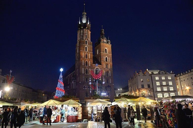Najładniejsze jarmarki bożonarodzeniowe w Polsce Kraków kiedy