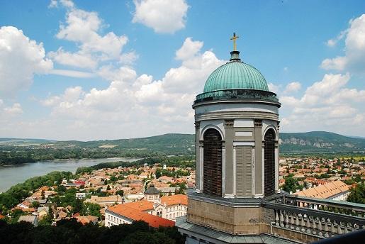Ostrzyhom widok na Dunaj - Węgry wakacje kempingi opinie