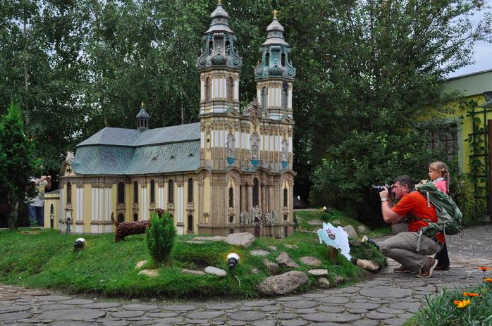 Park Miniatur Zabytków Dolnego Śląska bilety opinie ceny bazylika mniejsza w krzeszowie
