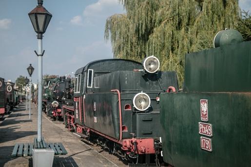 Pociąg retro Puszcza Kampinoska kolej wąskotorowa atrakcje dla dzieci