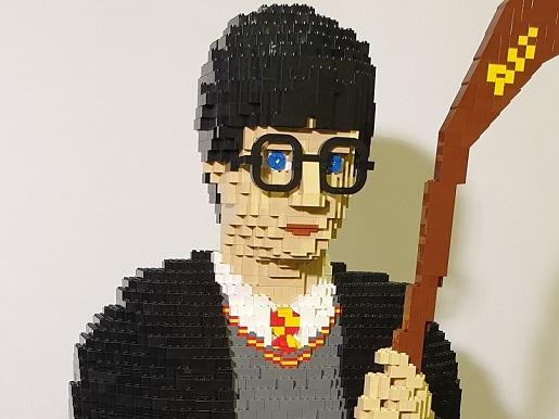 Postać insporowana Harrym Potterem najwieksza wystawa klockow lego gliwice atrakcje dla dzieci