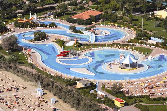 najlepsze rodzinne kempingi Włochy Pra Delle Torri opinie z basenami