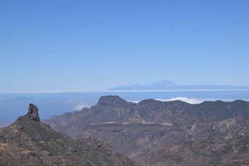 Roque Nublo widok na Teneryfę