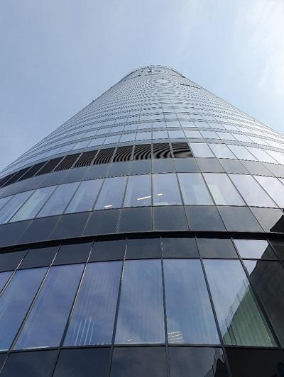 Sky Tower Wrocław atrakcje taras widokowy dla dzieci