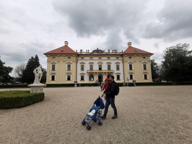 Slavkov u Brna- zamek i okolice