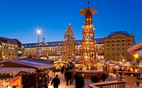 Striezelmarkt Dresden Najładniejsze Jarmarki Świąteczne Niemcy