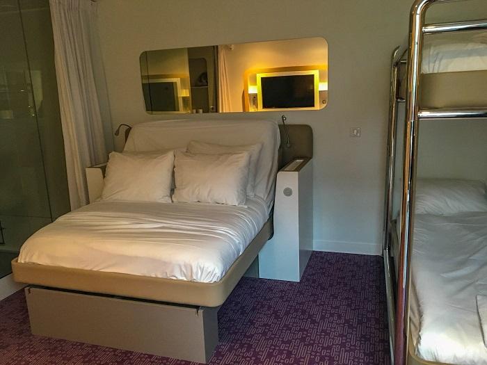 YotelAir hotel na lotnisku Charles De Gaulle Paryż Air France opinie noclegi