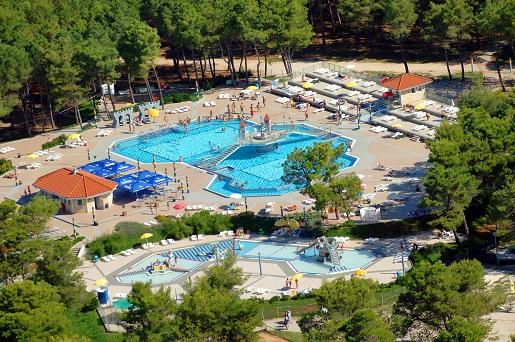 Zaton Holiday Resort-najlepsze kempingi dla rodzin z dziećmi camping z basenami