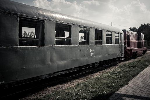 atrakcje Puszcza Kampinoska z dzieckiem pociąg retro opinie trasa