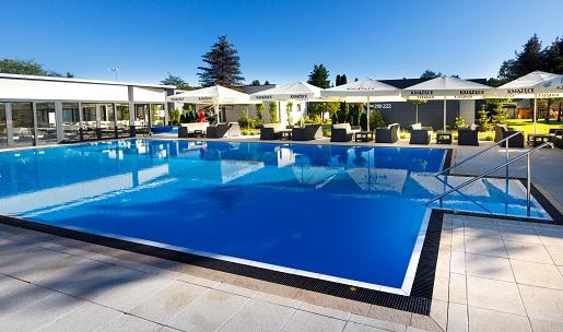 basen zewnętrzny plac zabaw domki nad morzem z aquaparkiem i atrakcjami dla dzieci holiday golden resort