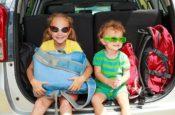 bezpieczna podróż samochodem z dziećmi jak zaplanować o czym pamiętać
