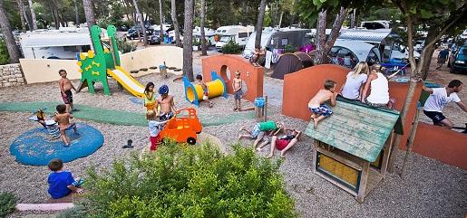Chorwacja jaki hotel z dzieckiem dla rodziny basen atrakcje opinie