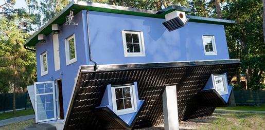 dom do góry nogami Pobierowo atrakcje dla dzieci
