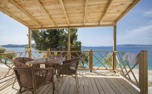 domek - taras (Belvedere) - wakacje na kempingu czy jest bezpiecznie opinie
