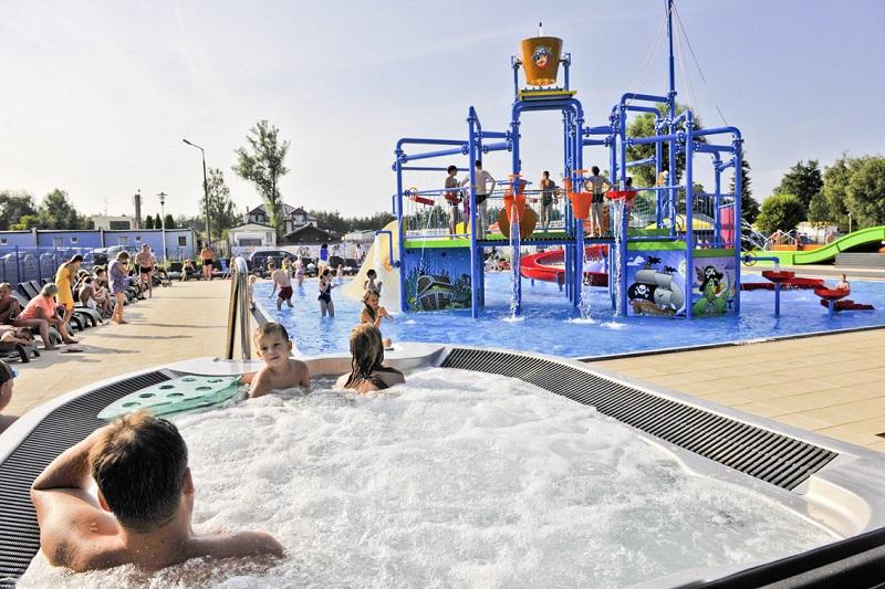 domki z parkiem wodnym nad morzem Bałtyk z dzieckiem baseny atrakcje Łazy