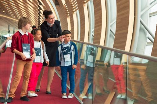 dzieci podróżujące pod opieką Air France bez rodziców samolotem