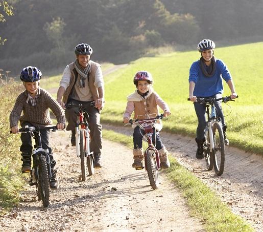 gdzie z dziećmi na weekend jesienią wrzesień październik wakacje rodzinne oferty