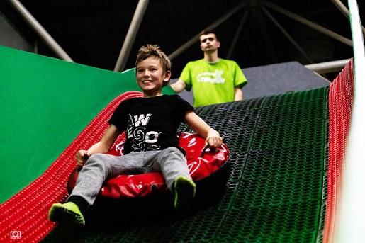 rodzinne atrakcje dla dzieci Kraków park trampolin aktywnie z dzieckiem Kraków opinie