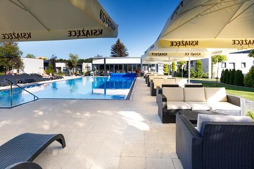 holiday resorts domki z basenem