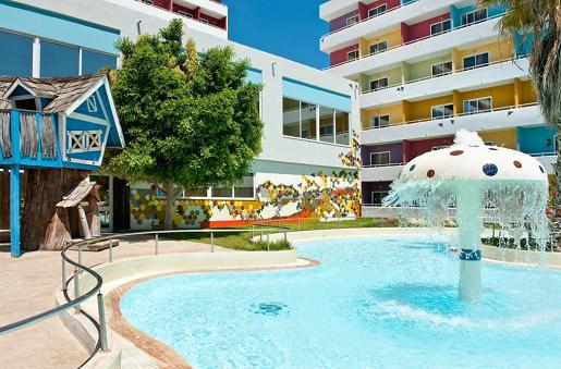 hotel esperides widok grecja rodos wakacje z dziecmi basen