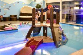 hotel z basenem dla dzieci trojmiasto gdynia ferie opinie