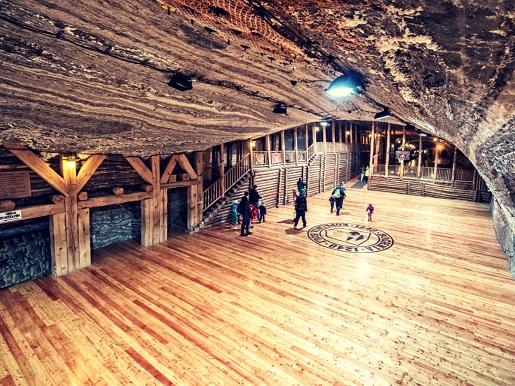 kopalnia soli bochnia opinie atrakcje boisko pod ziemią
