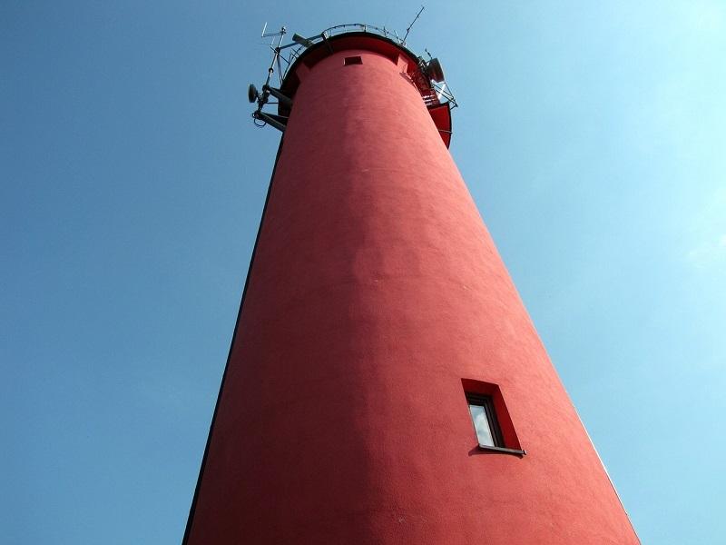 krynica morska latarnia - szlak latarni morskich nad Bałtykiem najładniejsze