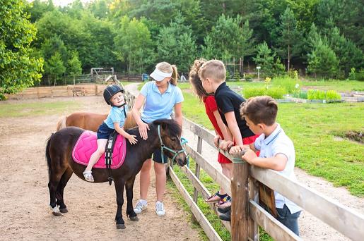 kucyk minigolf na kaszubach park rozrywki atrakcje rodzinne