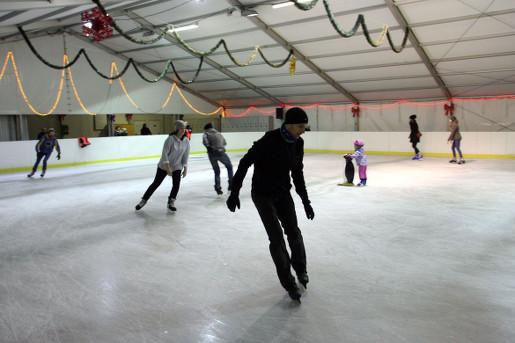 lodowisko moczydło warszawa 2019 łyżwy z dzieckiem