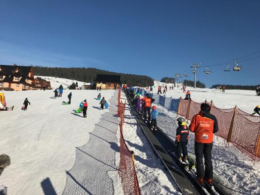 małe ciche najlepsze miejsca na narty z dziećmi