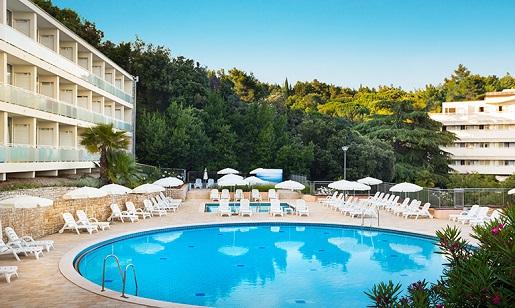 miramar-sunny-hotel-basen chorwacja opinie wakacje z dziecmi