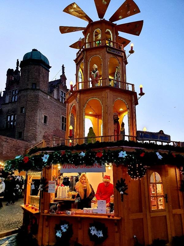 nowe atrakcje Jarmark Świąteczny Gdańsk Bożonarodzeniowy 2019 2020 anielski młyn zjeżdżalnia dla dzieci