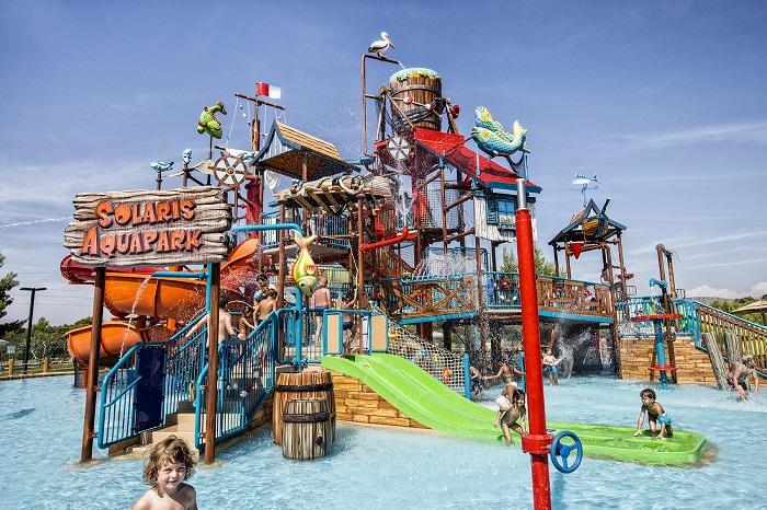 najlepsze rodzinne kempingi Dalmacja Chorwacja Solaris Aquapark opinie