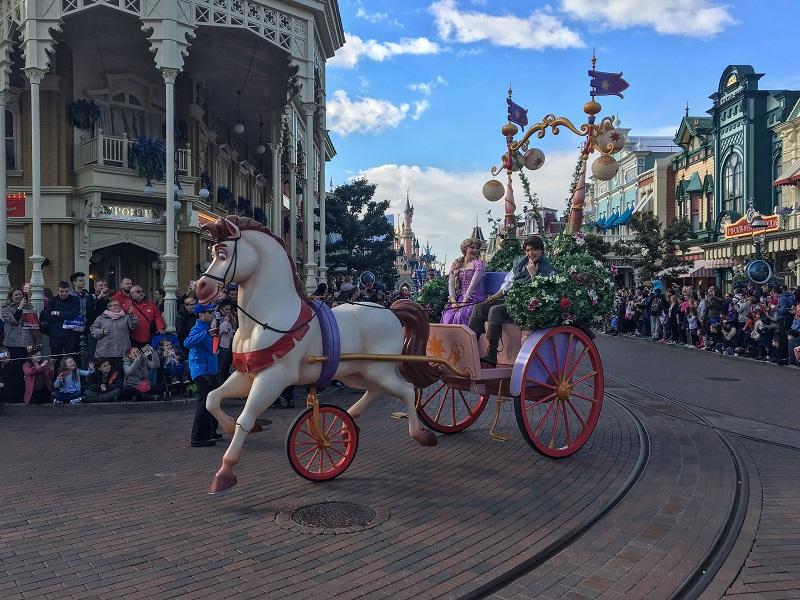 parada Disneyland Paryż atrakcje pokazy rodzinna wycieczka opinie