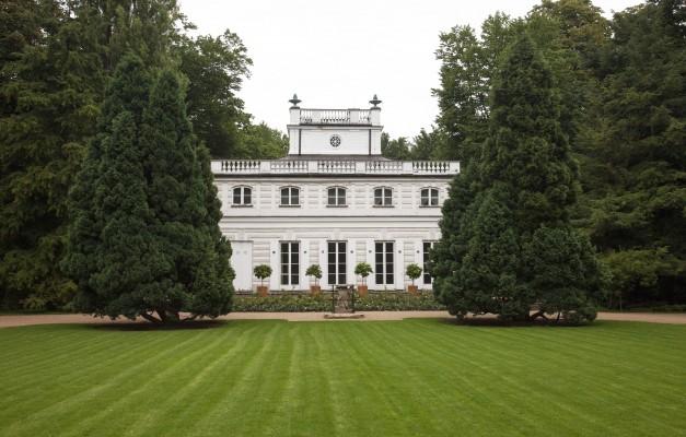 Biały Domek Łazienki Warszawa opinie