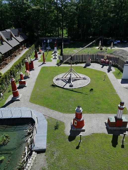 park miniatur latarni morskich rozewie bliza park atrakcje rodzinne dla dzieci