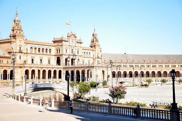 plac Hiszpański Sewilla opinie atrakcje