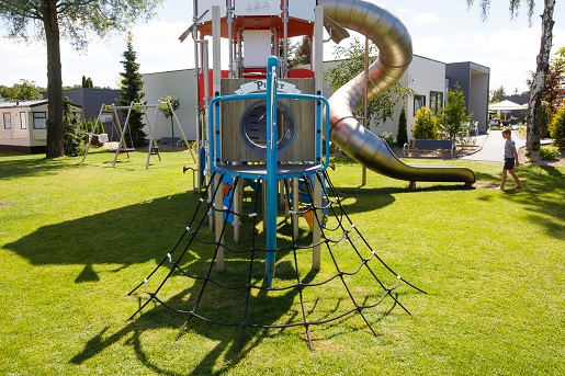 plac zabaw domki nad morzem z aquaparkiem i atrakcjami dla dzieci holiday golden resort 2